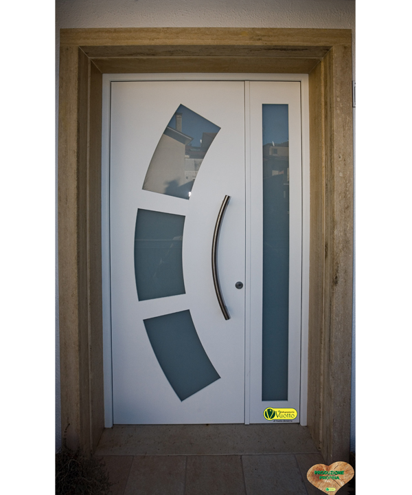 Falegnameria vuotto portoni legno alluminio - Chiusure per finestre in legno ...
